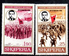 XP3957 - ALBANIA 1976 , Yvert Serie N. 1671/1572  ***  Antifascismo - Albania