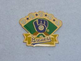 Pin's BASE BALL BREWERS - Baseball