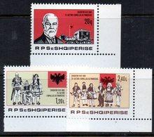 XP3987 - ALBANIA 1982 , Yvert Serie N. 1952/1954  ***  Indipendenza - Albania