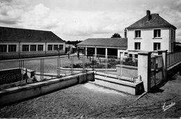 Saint-Lambert-des-Levées Le Groupe Scolaire - Other Municipalities