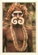 CPSM Papouasie Nouvelle Guinée-Guerrier Asmat-Carte Explicative Au Dos          L2759 - Papua New Guinea