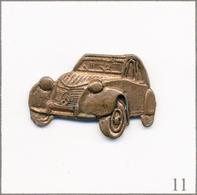Pin's Automobile - Citroën / 2 CV N°04. Non Estampillé. Métal Type Vieux Bronze. T639-11 - Citroën