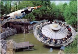 GARDALAND  Parco Giochi  Giostra  Aster-liner Saturno 7 - Disney