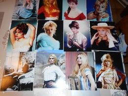 Lot De 18 Photos De Brigitte Bardot Bb Couleur Et Noir Et Blanc - Célébrités