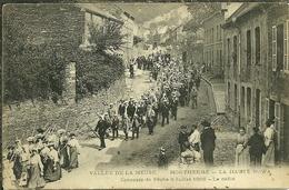 08 Ardennes MONTHERME La HAUTE  Rowa Concours De Péche 8 Juillet 1906 Le Défilé Trés Animée - France