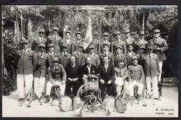 NICE: Plan TOP Sur Un Orchestre, Aigle Niçois Et 1928 Indiqué Sur Le Drapeau. Carte Photo SUPERBE. - Mercati, Feste