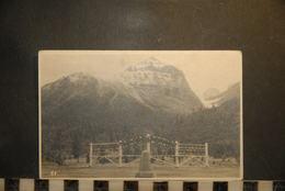 CP, Amerique, CANADA  Alberta The Great Divide British Columbia   Byron Harmon Banff - Banff