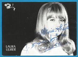 (A970) - Signature / Dédicace / Autographe Original - Laura ULMER - Chanteuse - Autographes