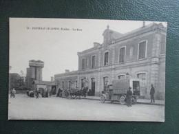CPA 85 FONTENAY LE COMTE LA GARE CAMION ANCIEN ANIMEE - Fontenay Le Comte