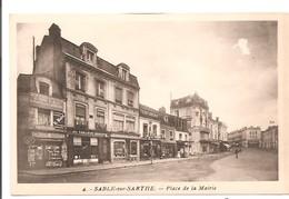 72 - SABLE Sur SARTHE - Place De La Mairie. - Sable Sur Sarthe