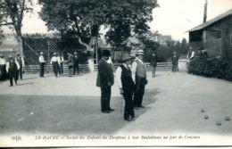 N°68740 -cpa Le Havre  -société Des Enfants Du Dauphiné à Leur Boulodrome Un Jour De Concours- - Le Havre