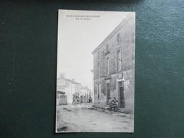 CPA 85 SAINT HILAIRE DES LOGES RUE DU CENTRE ANIMEE - Saint Hilaire Des Loges
