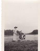 78. VERSAILLES. 3 PHOTOS. PROMENADE AU GRAND CANAL. ANNEE 1934 - Lieux