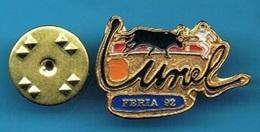 PIN'S //   ** LUNEL / FÉRIA '92 ** - Tauromachie - Corrida