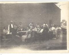 NOTRE DAME LIMITE  MARSEILLE    VENDANGES CHEZ CARLES   LE REPAS  1930  PHOTO SEPIA - Lieux