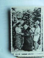 Indonesië Indonesia  Man And Women With Food Photo Card Sumatra ? - Indonesië