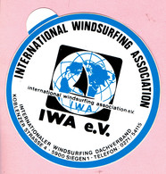 Sticker - International Windsurfing Association - Koblenzer Strasse 4 SIEGEN1 - Autocollants