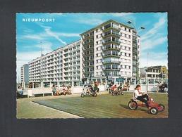 NIEUWPOORT - ZEEDIJK  (9256) - Nieuwpoort