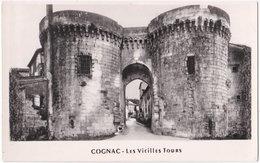 16. Pf. COGNAC. Les Vieilles Tours - Cognac