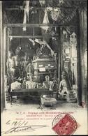 Cp Kambodscha, Angkor Wat, Boudhas Et Statues Deposees A Une Extremite De La Galerie - China