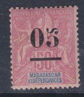 Madagascar N° 48 X  Timbre Surchargé : 05 Sur 50 C. Rose, Trace De Charnière Sinon TB - Madagascar (1889-1960)