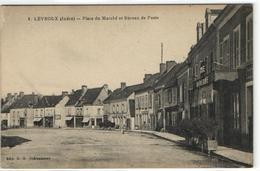 1 Cpa Levroux - Place Du Marché Et Bureau De Poste - Non Classés