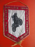 MOTOCROSS.MOTO CROSS.Flag.CSSR-HOLICE.FIM. - Habillement, Souvenirs & Autres