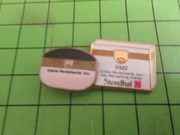 412d Pins Pin's / Rare & Belle Qualité THEME MARQUES / En Relief COSMETIQUES STENDHAL LE ROSE ET LE BLANC - Trademarks