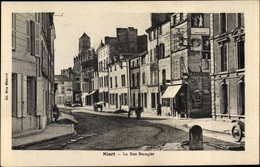 Cp Niort Deux Sèvres, La Rue Beaugier - Francia