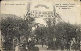 Cp Étain Lothringen Meuse, Place De L'Hotel De Ville, 8e Bataillon De Chasseurs, Le 5 Octobre 1913 - Francia