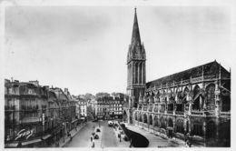Caen (14) - Place Et Cathédrale St Pierre - Caen