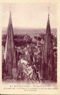 CPA -  BAYEUX - VUE GENERALE -  LES FLECHES DE LA CATHEDRALE - Bayeux