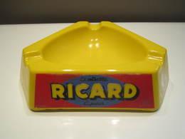 """CENDRIER RICARD """"GRAND"""" De Bistrot En Opalex, Anisette Liqueur Sur 3 Faces, 18 Cm Made In France Poids 772 Grammes - Cendriers"""