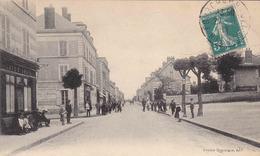 FOURCHAMBAULT - Rue Gambetta - Café Louis - Autres Communes
