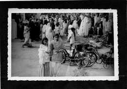 PAKISTAN (LAHORE)REUNION DE FEMMES Trés Animée Année 1950  CPHoto 14cmX9cm  Impeccable - Pakistan