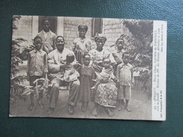 CPA BENIN CATECHISTE DU DAHOMEY PIERRE CLAVER AVEC SA FAMILLE - Benin