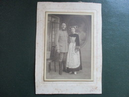 PHOTO COUPLE MILITAIRE FEMME COSTUME BRETON - Oorlog, Militair