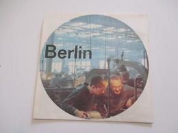 Dépliant Touristique/Pavillon De L'Allemagne / BERLIN/Berlin Marketing Council /Montréal67/ 1967   DT69 - Tourism Brochures