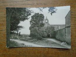 """île D'aix , L'église """""""" Carte De 1951 Beau Petit Timbre Et Cachet De L'île D'aix """""""" - Other Municipalities"""