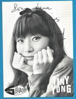 (A993) - Signature / Dédicace / Autographe Original - Tiny Yong - Chanteuse - Autographes