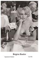 BRIGITTE BARDOT - Film Star Pin Up PHOTO POSTCARD- Publisher Swiftsure 2000 (72/1796) - Postales