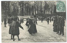 CPA Paris Les Sports Glissades Sur Le Lac Au Bois De Boulogne - Autres