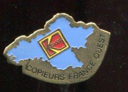 Pin's - KODAK Copieurs France Ouest Carte Bretagne - Photography