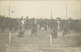 CARTE PHOTO 7 MARS 1905 EXECUTION CAPITALE A QUANG YEN LES CONDAMNES ET LES BOURREAUX - Viêt-Nam
