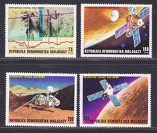 MADAGASCAR N°   600 à 603 ** MNH Neufs Sans Charnière, TB (D8137) Cosmos, Opération Viking Sur Mars - 1976 - Madagascar (1960-...)