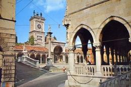 Udine - Piazza Libertà - 327-8 - Formato Grande Non Viaggiata – E 10 - Udine