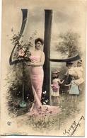 Alphabet Chiffre 4 - Femme Robe Longue Et Enfants Couleur - Fancy Cards