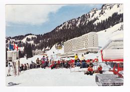 74 FLAINE Vers Les Carroz Cluses Porte Du Désert Blanc Vue Partielle Station En 1972 Engin Dameur à Chenilles Skieurs - Cluses