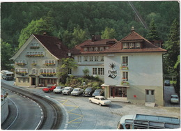 Amsteg: TRIUMPH TR5, OPEL REKORD-A, PLYMOUTH VALIANT, FORD TAUNUS 12M P4, HILLMAN MINX V, DKW F102 - Hotel Stern & Post - Toerisme