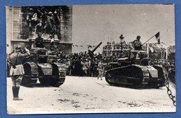 Carte Photo  -  Défilé Militaire - Chars - Guerre 1914-18